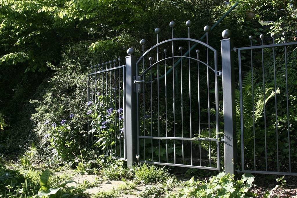 Choisir un portail selon le style de votre jardin